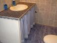 Koupelna 1 - Apartmán A-5180-a - Ubytování Maslinica (Šolta) - 5180
