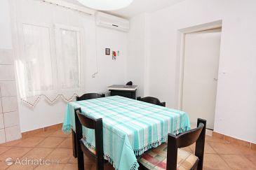 Apartman A-5806-a - Apartmanok Vodice (Vodice) - 5806