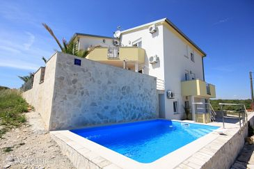 Holiday apartment 186083