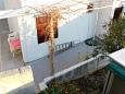 Courtyard - Apartments and Rooms Pisak (Omiš) - 7523