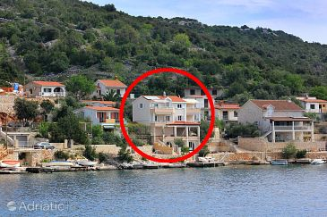 Property Vinišće (Trogir) - Accommodation 10007 - Apartments near sea.