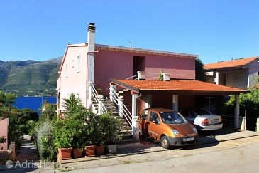 Property Medvinjak (Korčula) - Accommodation 10055 - Apartments with pebble beach.