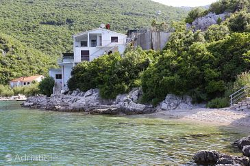 Property Vela Prapratna (Pelješac) - Accommodation 10106 - Apartments near sea with pebble beach.