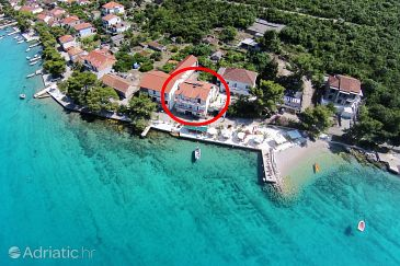 Lovište, Pelješac, Property 10181 - Apartments and Rooms blizu mora with pebble beach.