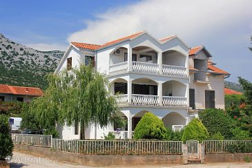 Property Orebić (Pelješac) - Accommodation 10193 - Apartments with pebble beach.