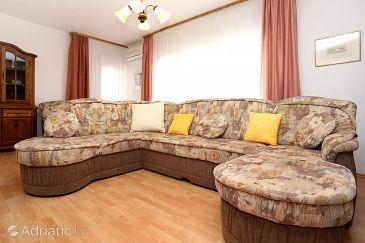 Apartment A-10249-a - Apartments Podstrana (Split) - 10249