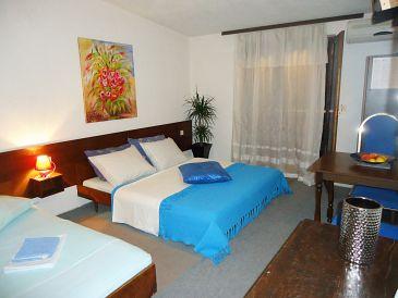 Room S-10266-b - Rooms Krilo Jesenice (Omiš) - 10266