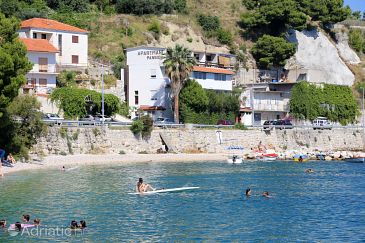 Property Krilo Jesenice (Omiš) - Accommodation 10266 - Rooms near sea with pebble beach.