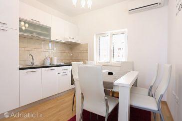 Podstrana, Dining room u smještaju tipa apartment, dostupna klima i WIFI.
