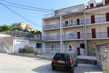 Property Podstrana (Split) - Accommodation 10309 - Apartments near sea with pebble beach.