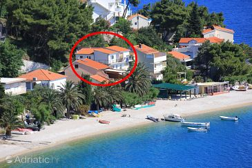 Stanići, Omiš, Property 1032 - Apartments blizu mora with pebble beach.