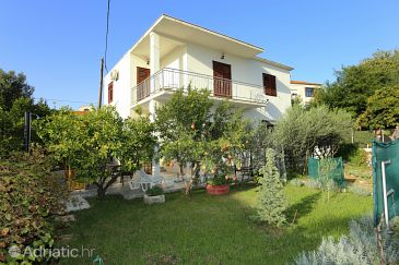 Trogir, Trogir, Property 10337 - Apartments with pebble beach.