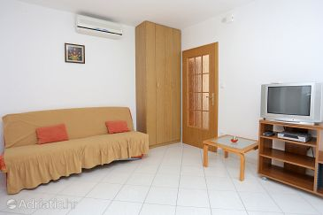 Apartment A-10347-a - Apartments Arbanija (Čiovo) - 10347