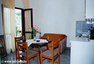 Živogošće - Blato, Dining room u smještaju tipa apartment, dostupna klima i WIFI.