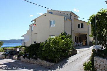Property Živogošće - Blato (Makarska) - Accommodation 1059 - Apartments with pebble beach.
