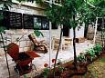 Seget Vranjica, Trogir, Courtyard 1064 - Apartments blizu mora.