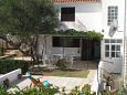 Podwórko Bušinci (Čiovo) - Zakwaterowanie 1071 - Apartamenty blisko morza ze żwirową plażą.