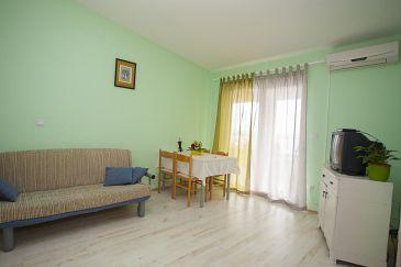 Apartment A-11007-a - Apartments Veliko Brdo (Makarska) - 11007