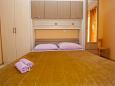 Bedroom 2 - Apartment A-11007-c - Apartments Veliko Brdo (Makarska) - 11007