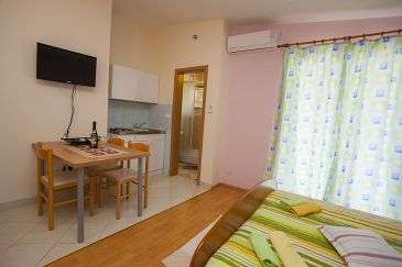 Studio flat AS-11007-a - Apartments Veliko Brdo (Makarska) - 11007