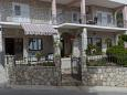 Courtyard Veliko Brdo (Makarska) - Accommodation 11007 - Apartments with pebble beach.
