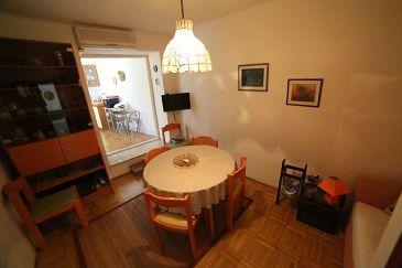Apartment A-11010-a - Apartments Sutivan (Brač) - 11010