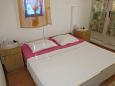 Bedroom 2 - Apartment A-11039-b - Apartments Brist (Makarska) - 11039