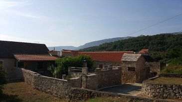 Property Vrbanj (Hvar) - Accommodation 11040 - Vacation Rentals with pebble beach.