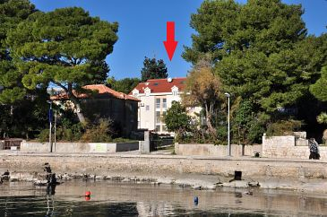 Property Kaštel Stari (Kaštela) - Accommodation 11053 - Apartments near sea with pebble beach.