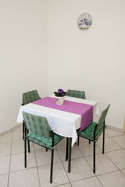 Bibinje, Dining room u smještaju tipa studio-apartment, WIFI.