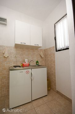 Studio flat AS-11083-a - Apartments Drvenik Donja vala (Makarska) - 11083