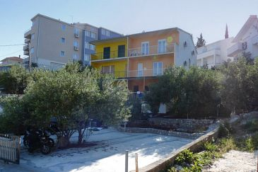 Property Mavarštica (Čiovo) - Accommodation 1109 - Apartments near sea with pebble beach.
