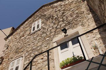 Property Makarska (Makarska) - Accommodation 11096 - Rooms near sea with pebble beach.