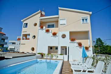 Property Zadar (Zadar) - Accommodation 11151 - Apartments near sea with pebble beach.