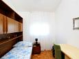 Bedroom 2 - Apartment A-11171-a - Apartments Seget Donji (Trogir) - 11171