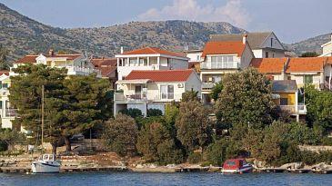 Grebaštica, Šibenik, Property 11209 - Apartments blizu mora with pebble beach.