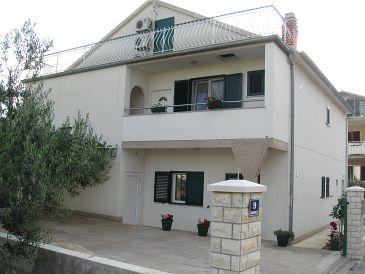 Property Brodarica (Šibenik) - Accommodation 11262 - Apartments with rocky beach.