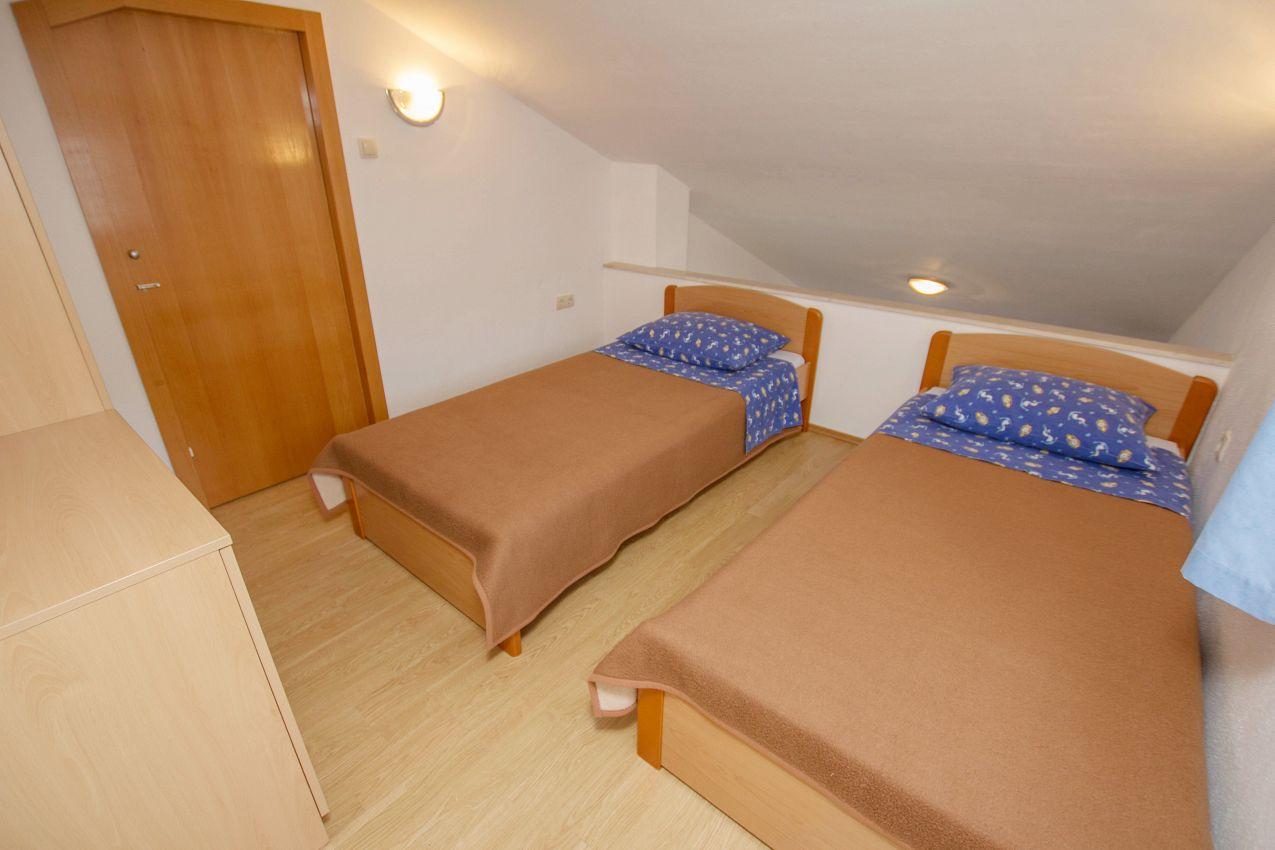 Apartmány s parkoviskom v meste Mastrinka - 11283
