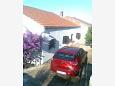 Parking lot Stomorska (Šolta) - Accommodation 11298 - Apartments near sea.
