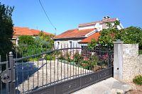 Splitska Apartments 11300