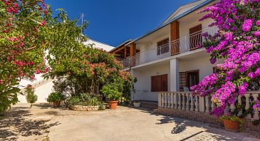 Property Biograd na Moru (Biograd) - Accommodation 11327 - Apartments with pebble beach.