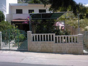 Drašnice, Makarska, Property 11330 - Apartments blizu mora with pebble beach.