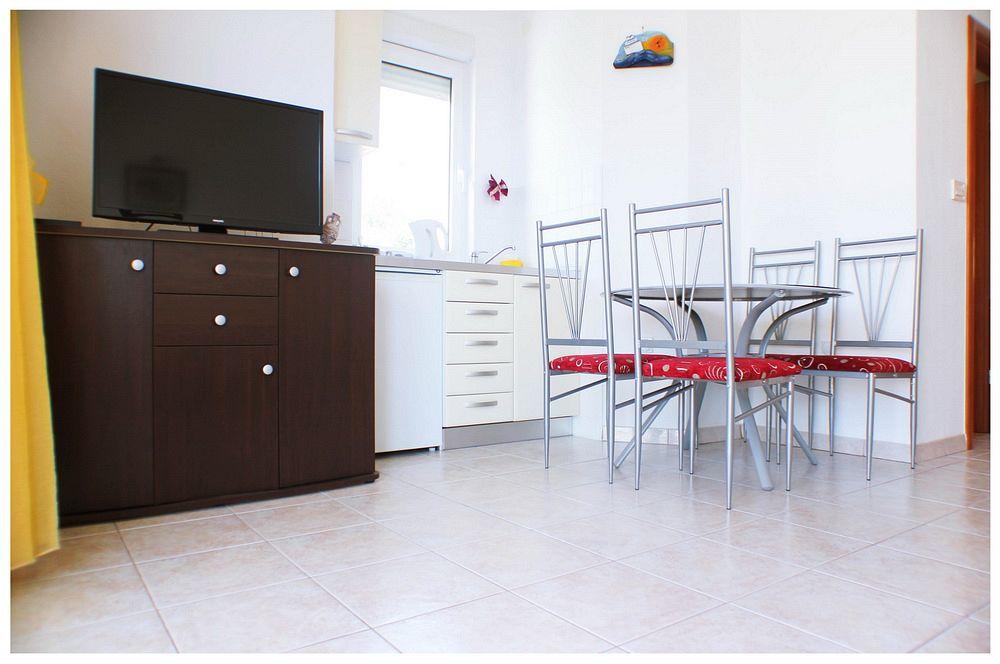 Apartmány s parkoviskom v meste Ražanj - 11347