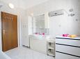Bathroom - Apartment A-11363-a - Apartments Podstrana (Split) - 11363