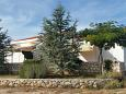 Property Mandre (Pag) - Accommodation 11365 - Apartments with pebble beach.