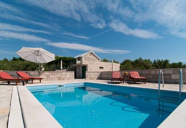Property Dočine (Brač) - Accommodation 11388 - Vacation Rentals in Croatia.
