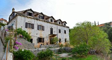 Property Bobovišća (Brač) - Accommodation 11435 - Vacation Rentals with pebble beach.