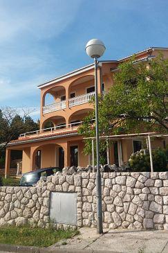 Property Novi Vinodolski (Novi Vinodolski) - Accommodation 11479 - Apartments with pebble beach.