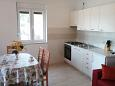 Kitchen - Apartment A-11525-b - Apartments Veli Rat (Dugi otok) - 11525