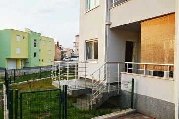 Podstrana, Split, Property 11526 - Apartments with pebble beach.